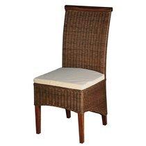 Chaise en rotin avec coussin en fibre
